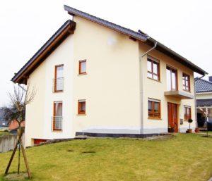 Variante eines modern home mit doppeltem Pultdach